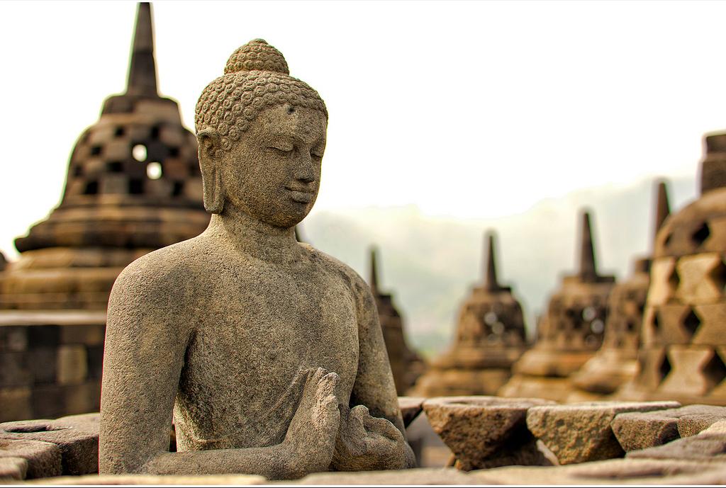 Buddha szobor (Borobudur, Indonézia)
